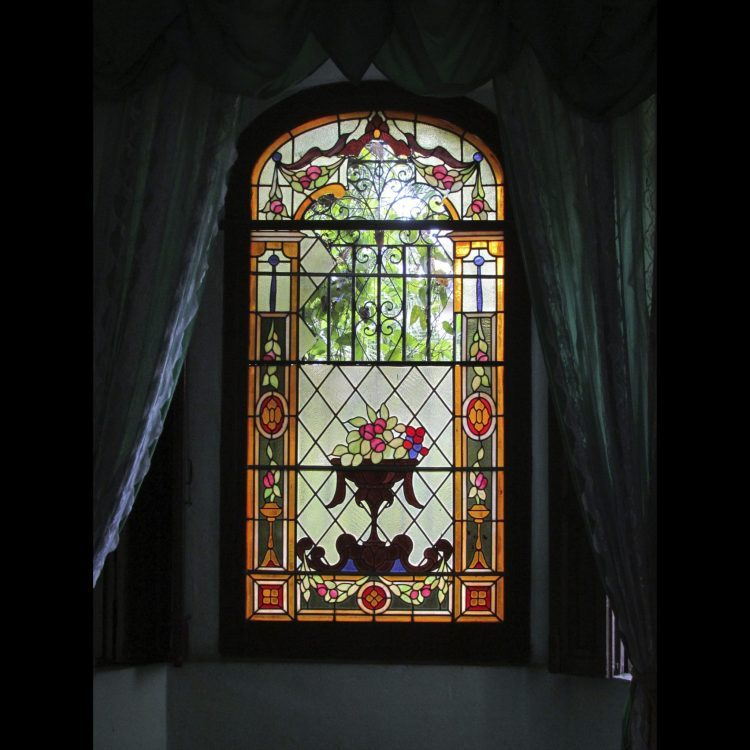 Restauración Vitral Palacio De Los Matrimonios Camagüey Cuba 2018 Daluzcuba Com